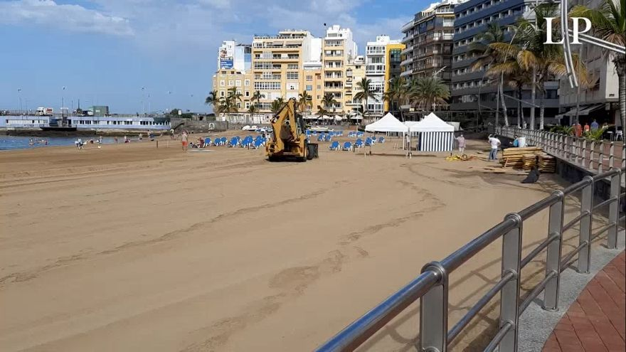 Comienzan los trabajos en Las Canteras para el Belén de arena