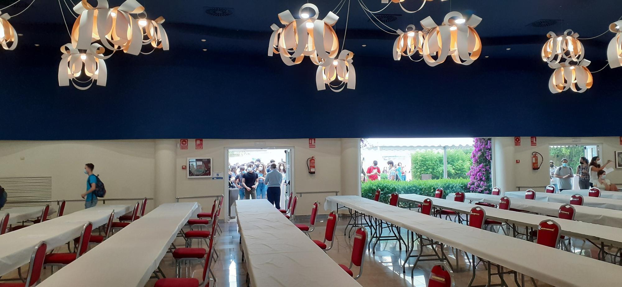 Así ha sido la primera jornada de las PAU en una sala de banquetes