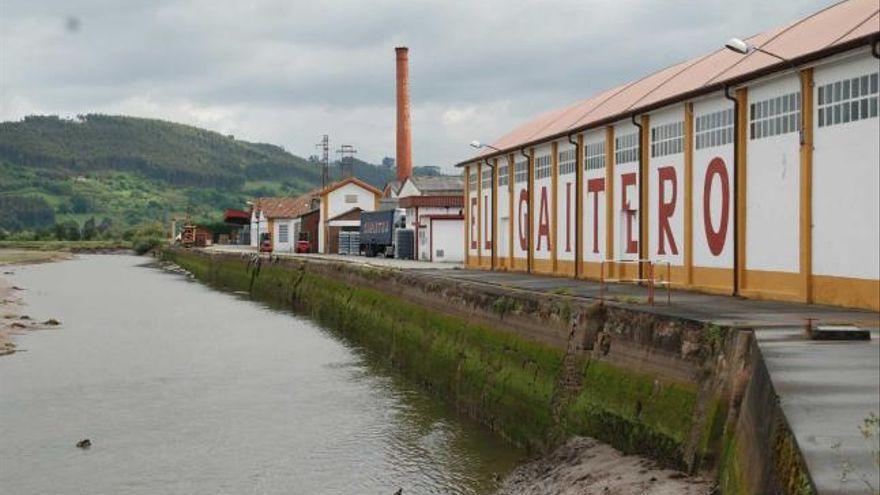 El Gaitero vende al grupo cervecero Damm su planta de agua y refrescos de Meres