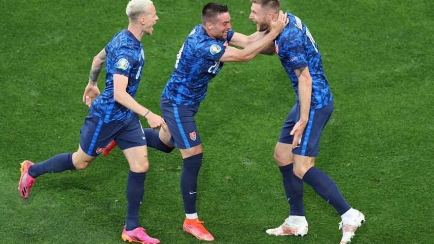 Eslovaquia avisa a España con su victoria ante Polonia
