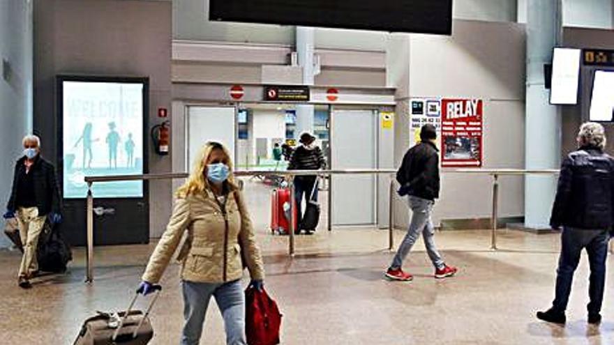 Galicia engorda el registro obligatorio de viajeros procedentes de España para frenar el coronavirus
