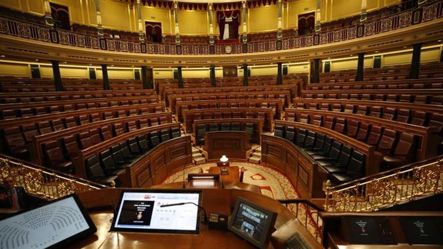 Los viajes de los parlamentarios, un gran agujero negro