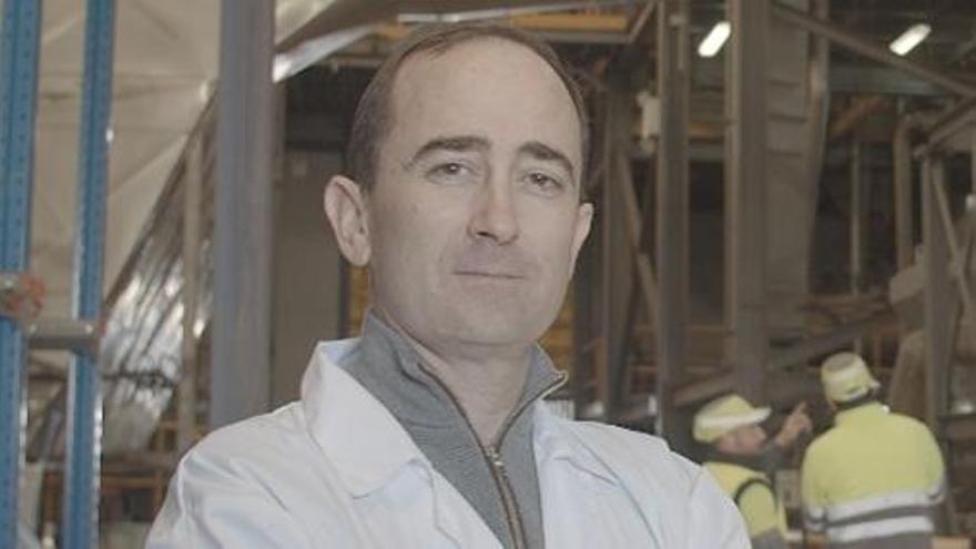 Pablo Montañés, CEO del grupo SIPCAM, en la fábrica de Sueca.