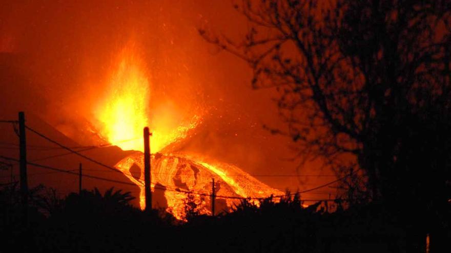 Un enfermero de Ibiza frente a la «preciosa destrucción» del volcán de La Palma