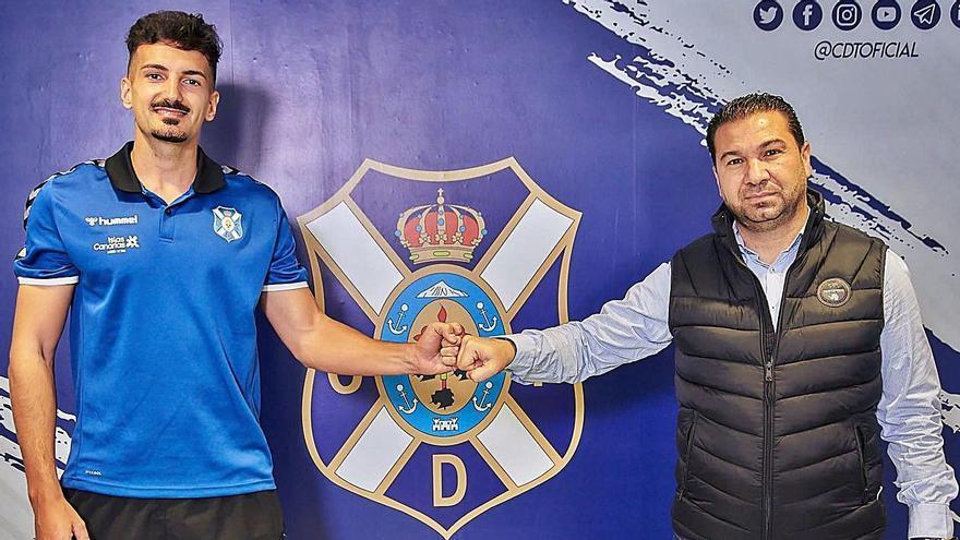 El CD Tenerife se asegura la continuidad de Álex Muñoz