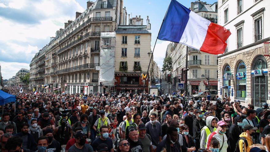 Francia vive otra jornada de protestas contra el pasaporte covid