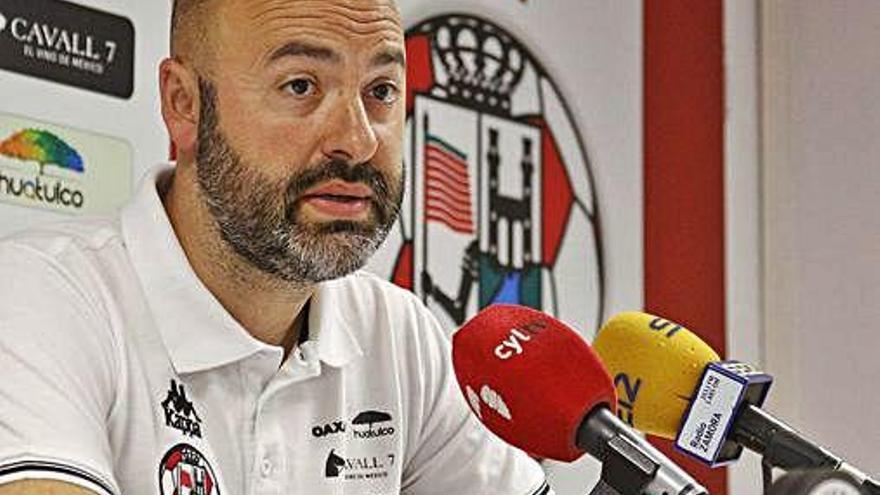 David Movilla, entrenador del Zamora CF, en la rueda de prensa de ayer.