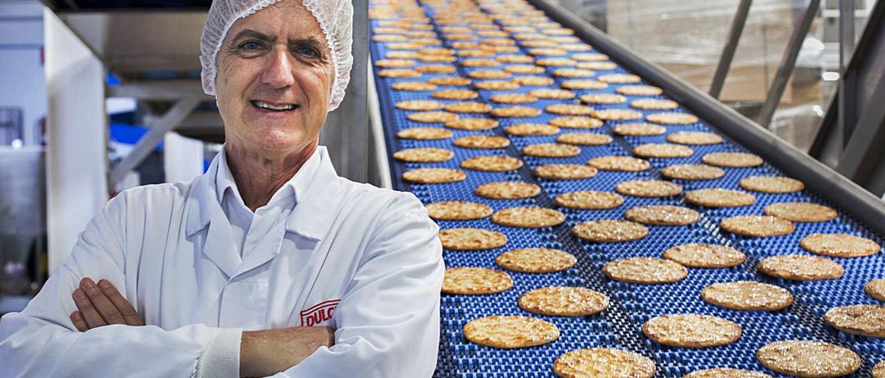 Rafael Juan, consejero delegado de Vicky Foods, en la fábrica de Gandia. | GERMÁN CABALLERO
