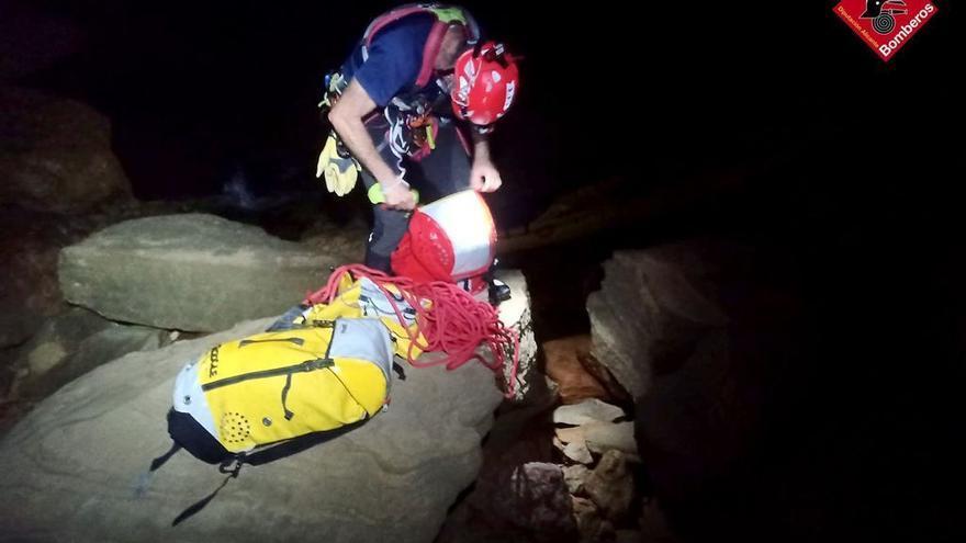 Rescatados dos senderistas perdidos en Benidorm tras cinco horas de caminata en plena madrugada