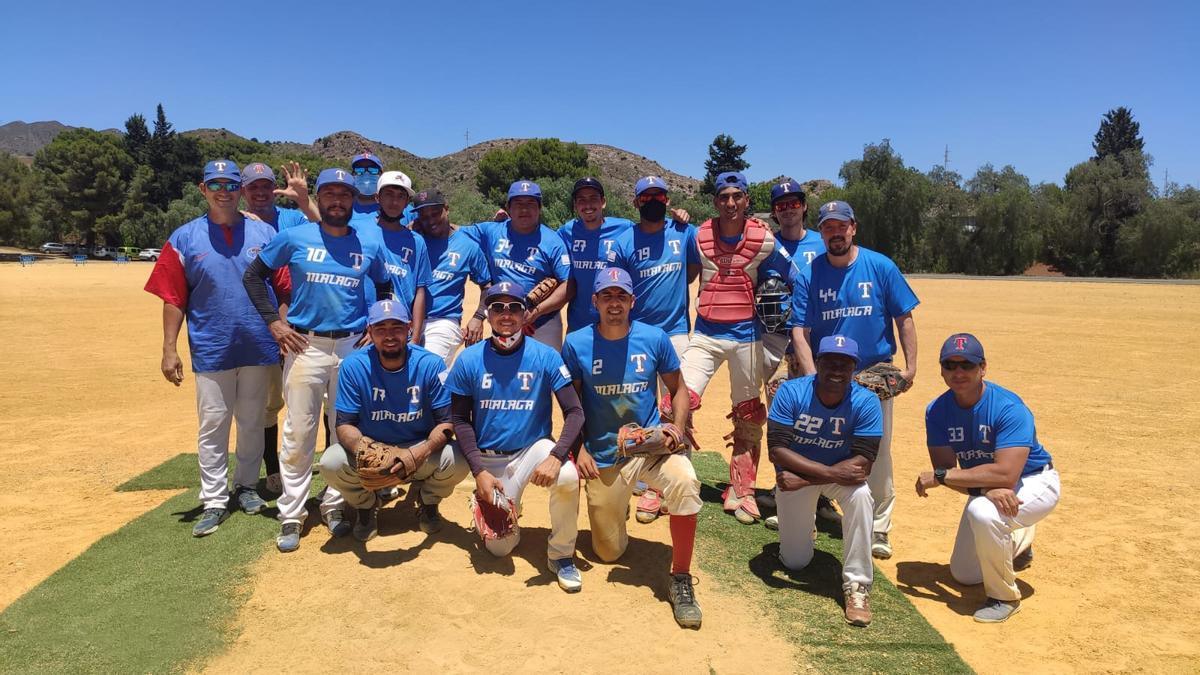 Los miembros del conjunto malagueño de béisbol