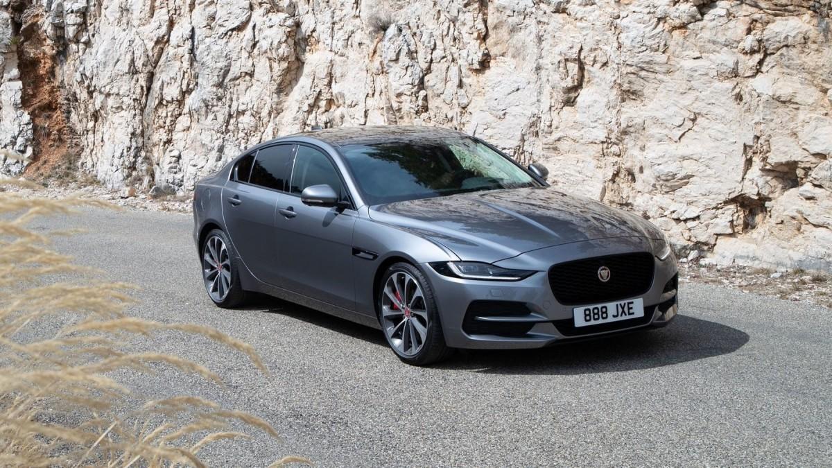 Jaguar XE 2020: Más de 130 fotos en una súper galería