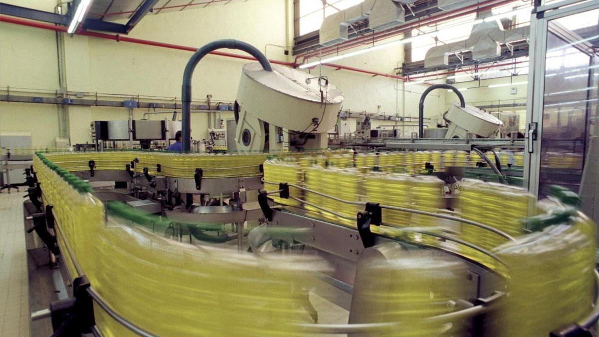 Las exportaciones de aceite de oliva, vino y jamón, amenazadas por los aranceles de EEUU a Europa