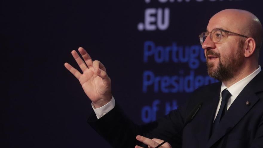 """La UE pide rebajar la """"ansiedad"""" por la distribución de la vacuna"""