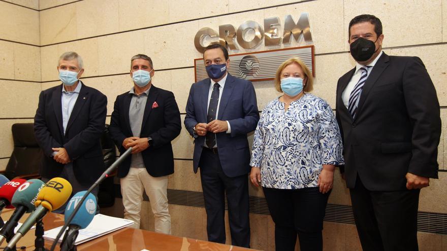 Albarracín advierte de que subir el salario mínimo costaría 9.000 empleos en la Región