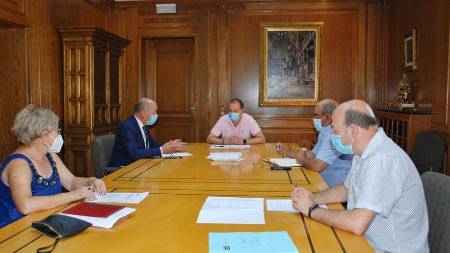 La Diputación de Zamora se compromete a impulsar los derribos de construcciones en ruinas