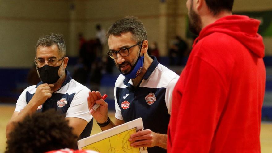 Pablo Orozco apuesta por Marcos Espinosa para la rotación interior del Peñarroya de baloncesto