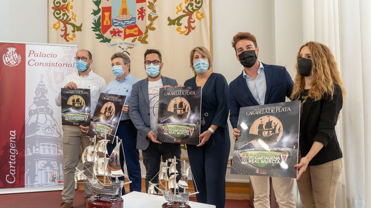 Imagen de la presentación del Trofeo Carabela de Plata