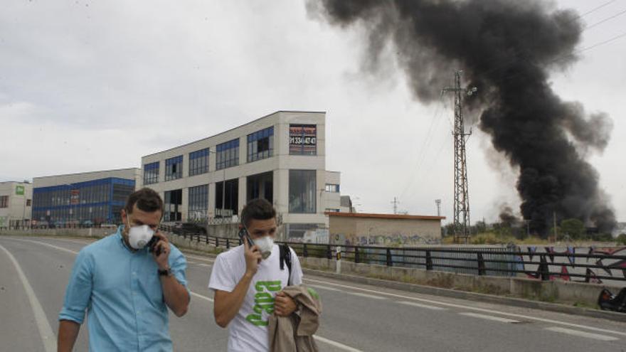 Varias explosiones en una fábrica de Arganda dejan tres heridos graves y 39 leves