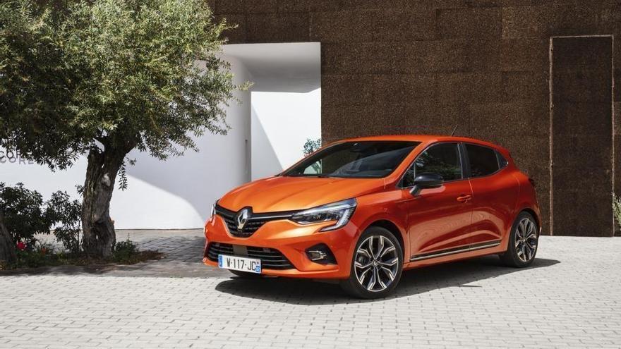 Renault ofrece descuentos de hasta 7.500 euros y ayudas en todos los frentes