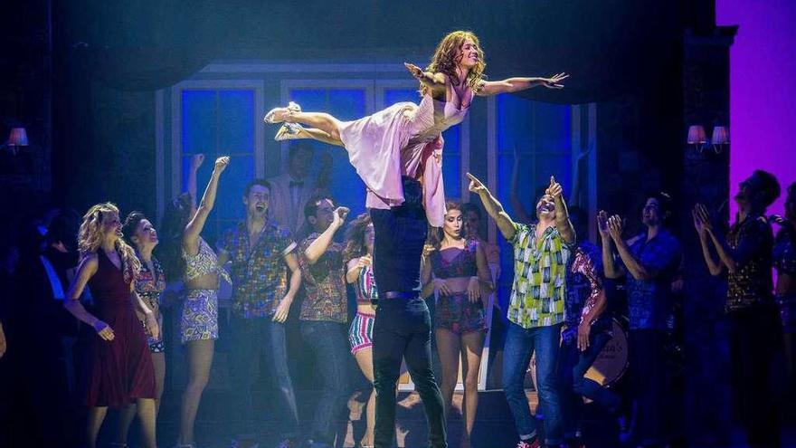 """El musical """"Dirty Dancing"""" llega a Galicia con 24 artistas y entradas casi agotadas"""
