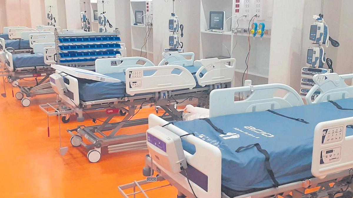 Aspecto parcial de la nueva UCI montada en el espacio que ocupaba el gimnasio de Rehabilitación del Hospital Universitario Central de Asturias (HUCA), que hoy entrará en servicio.