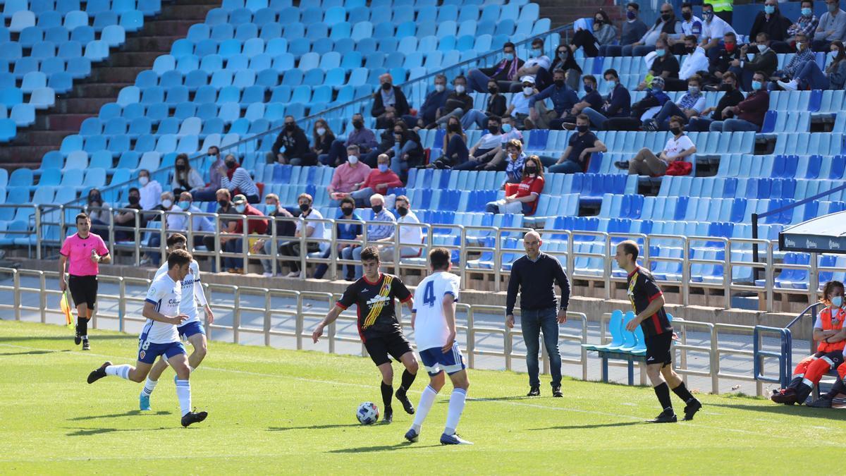 Un momento del partido entre el Deportivo Aragón y el Barbastro disputado en La Romareda, el día en el que volvió el público al estadio.