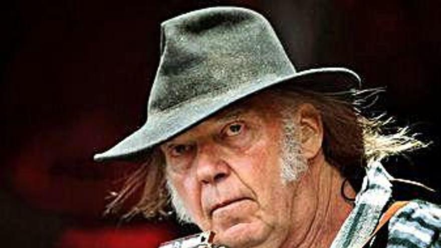 Neil Young anuncia que publicará un nuevo disco el próximo mes de octubre