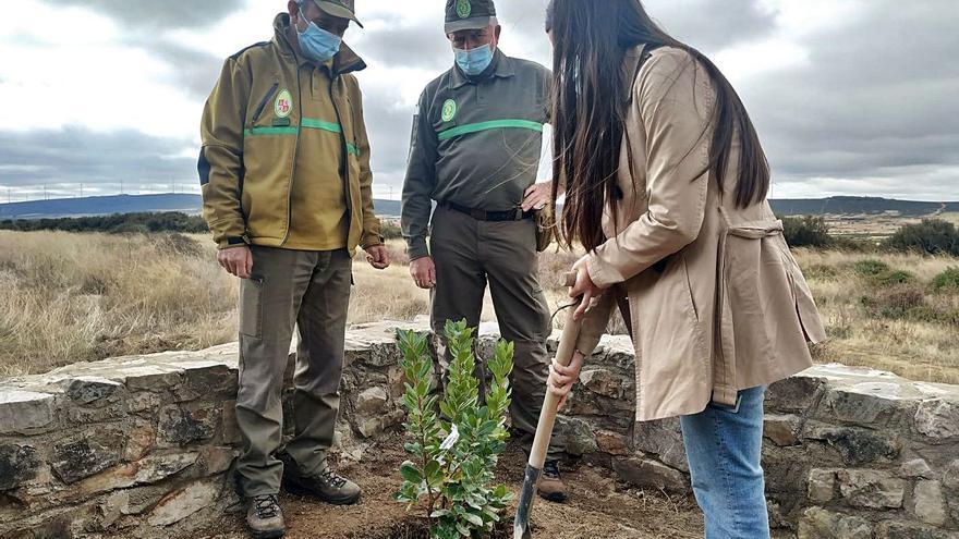La Sierra de la Culebra rinde homenaje al forestal fallecido en acto de servicio