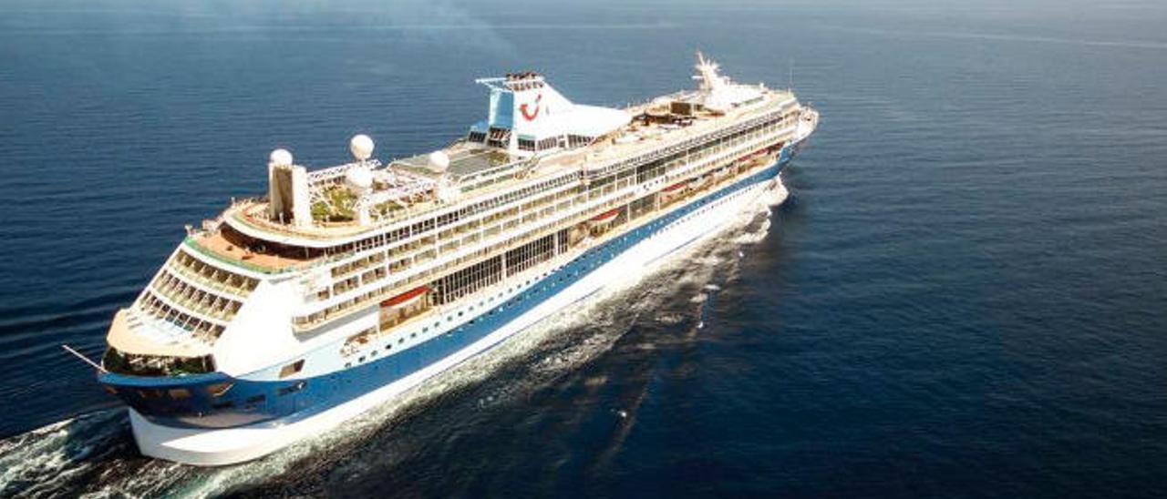 El Puerto pierde 10.000 cruceristas por el retraso de la temporada de Aida