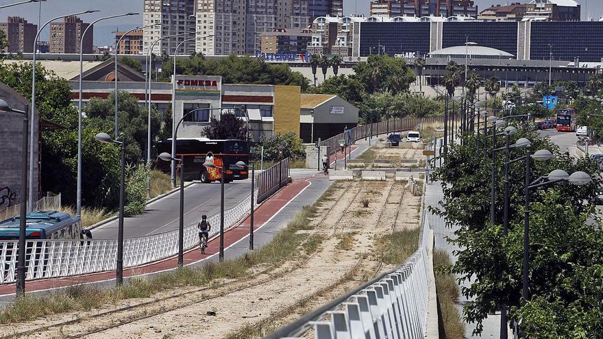 Ribó pide a España prioridad para el tranvía de Natzaret a la Marina