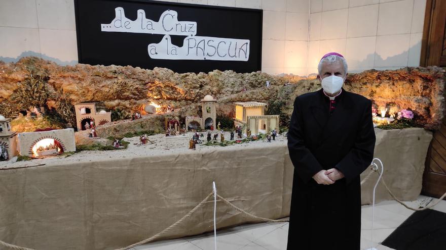 Empieza una Semana Santa solo con exposiciones de pasos y actos religiosos limitados