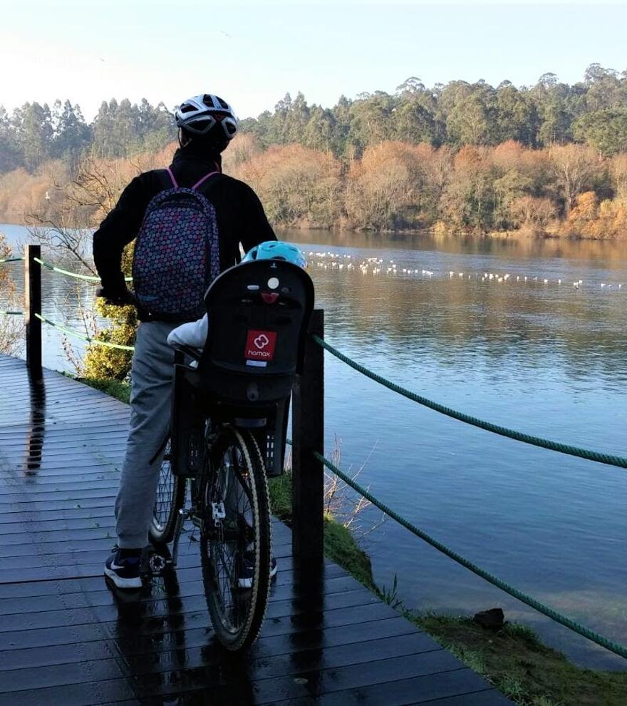 El Miño se 'navega' en bicicleta