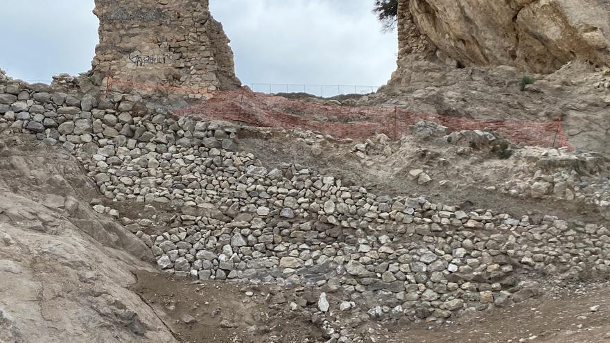 Hallan el camino de acceso original al Castillo de Mula