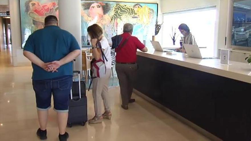 La hostelería tira del empleo en julio