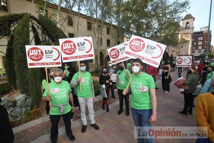 La Marea Verde toma Murcia en contra de un Gobierno con los expulsados de Vox