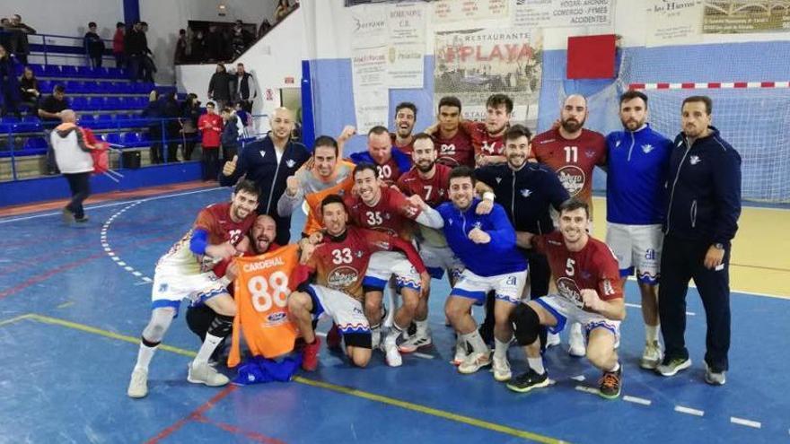 El Horneo Sporting Alicante defiende el liderato ante el Puerto Sagunto B