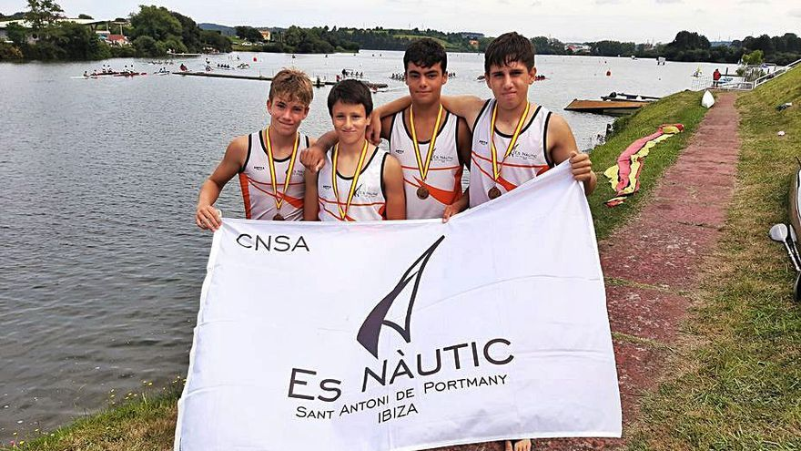 Los infantiles del CNSA se cuelgan el bronce en Asturias