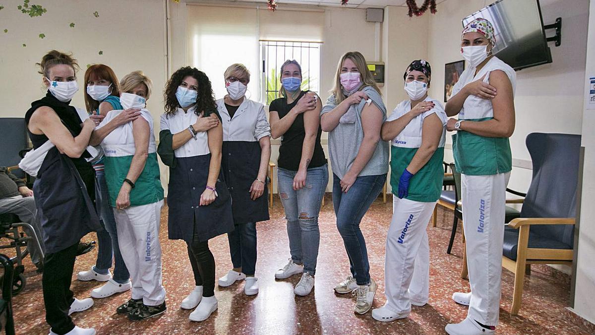 Vacunación Las dosis llegan a diferentes residencias de la Safor | ÀLEX OLTRA