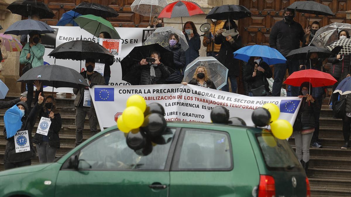 Protesta estatal de trabajadores públicos.