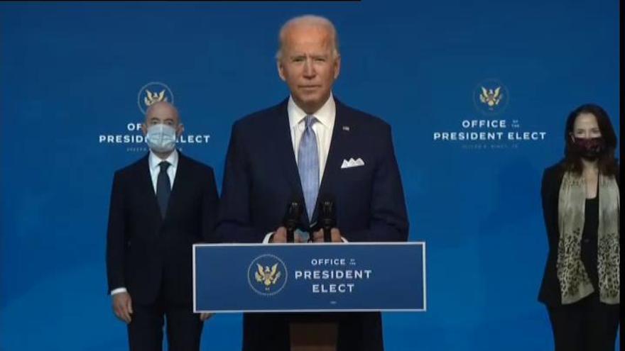 Joe Biden diseña su nuevo gobierno con un ministro cubano al frente de política migratoria