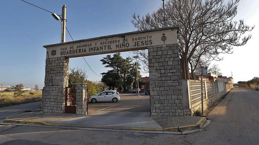 Tres positivos hacen cerrar hasta el día 30 el centro de Alzhéimer en Sagunt