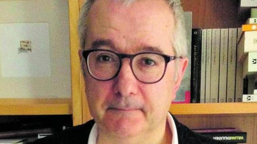 El periodista y escritor Alfonso Armada.     E.D.