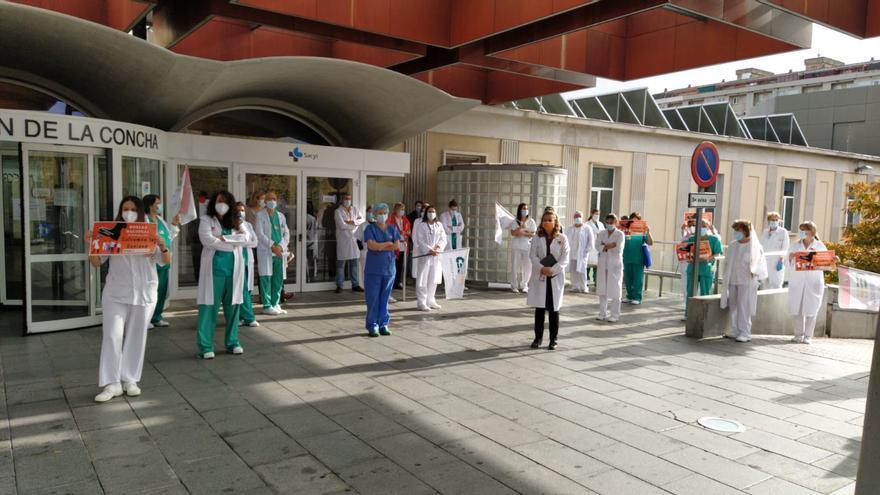 Los médicos se concentran antes de la huelga en Zamora