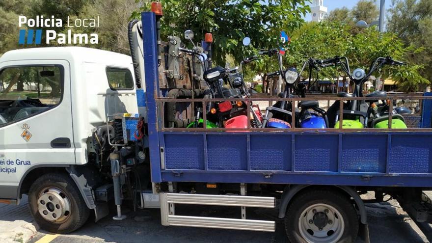 Polizei beschlagnahmt 15 E-Motorräder an der Playa de Palma