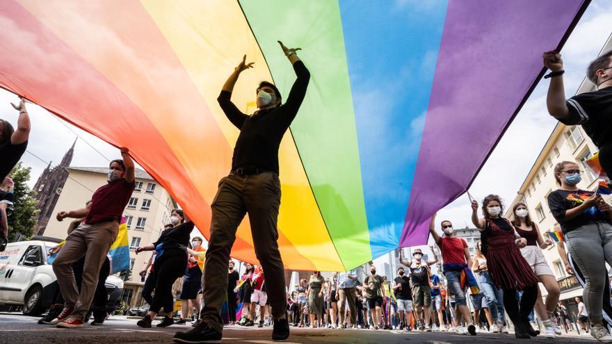El Parlamento Europeo exige reconocer los derechos de las parejas del mismo sexo en toda la UE
