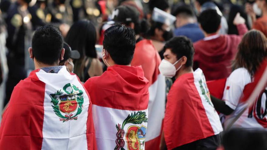 Las fuertes protestas acaban con el mandato de Merino