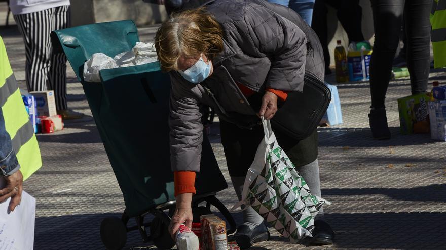 La población española en riesgo de pobreza aumenta hasta el 26,4%, el dato más alto en cuatro años