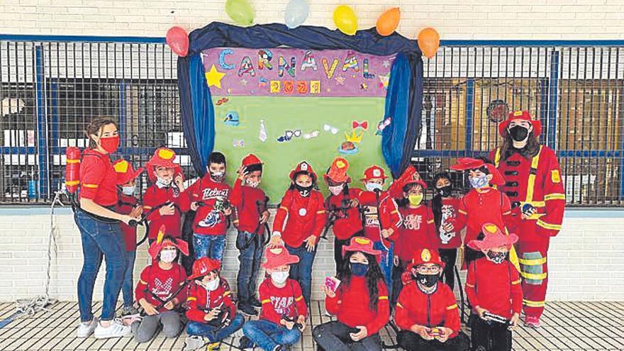El Carnaval llena de felicidad y alegría los colegios