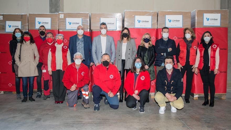 Una firma de Agullent dona más de 500.000 mascarillas a la Cruz Roja