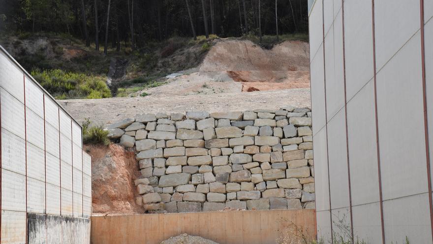 Alcoy repara el cunetón del polígono Santiago Payá afectado por la borrasca Gloria en enero